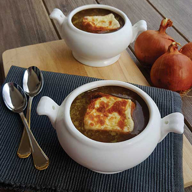 taste-and-flavors-recipes-onion-soup-featured