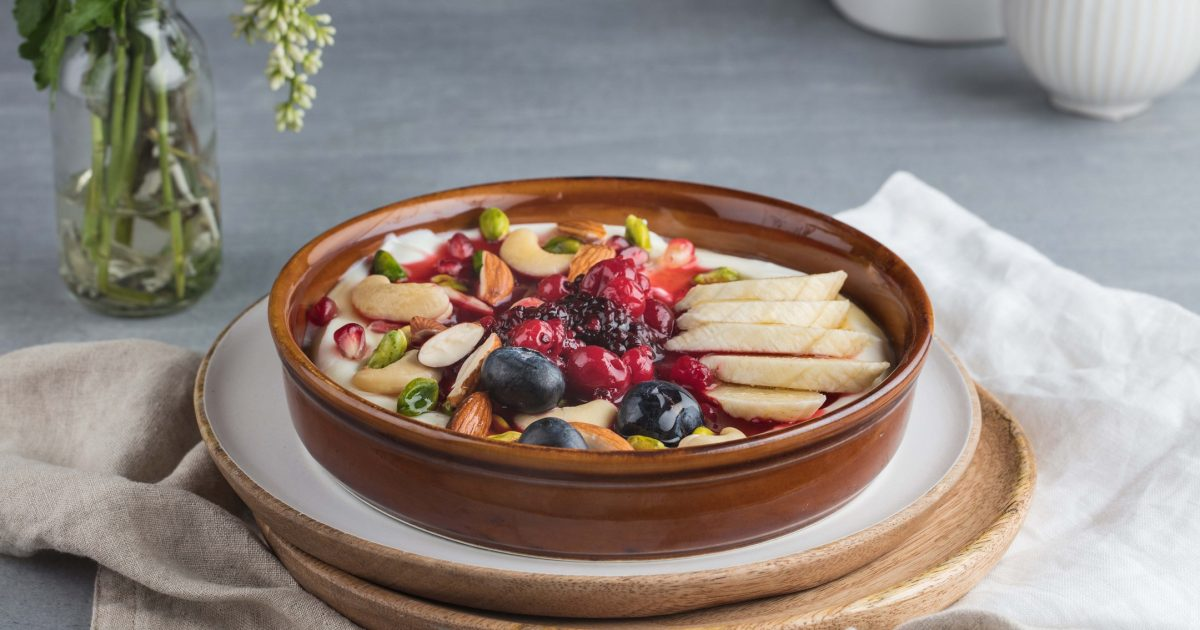 CASPER & GAMBINIS yogurt & berries