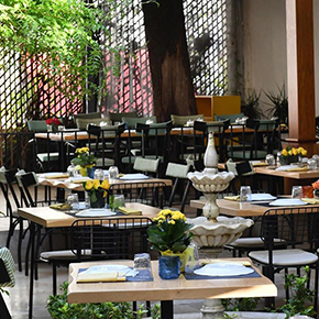 taste-and-flavors-out-and-about-luxury-dining-ritage