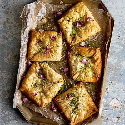 taste-and-flavors-filo-parcels-with-cream-and-rose-water-featured